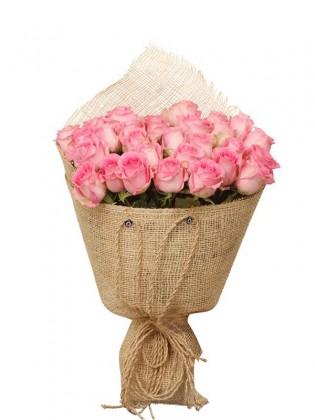 Stylish Pink Gül Buketi